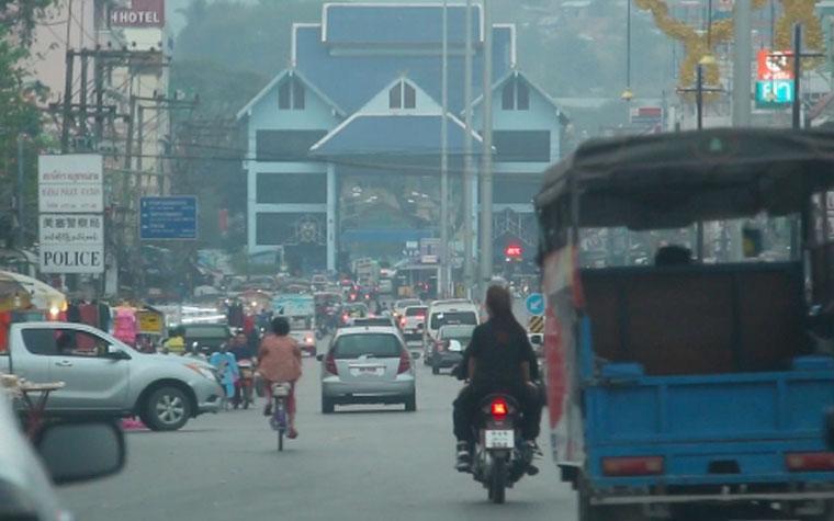 เชียงรายอากาศเป็นพิษ ฝุ่นละอองเกินมาตรฐาน คาดมาจากประเทศเพื่อนบ้าน
