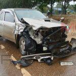 ครูรีบขับรถฝ่าฝนไปสอนหนังสือ ถูกรถแหกโค้งพุ่งชน เจ็บ 4 ราย