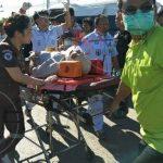 อุบัติเหตุรถตู้โดยสารพม่าชนเสาไฟฟ้า มีผู้ได้รับบาดเจ็บ 17 ราย