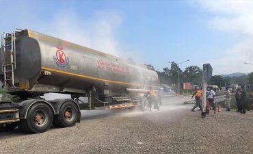ระทึก! รถบรรทุกน้ำมันยางระเบิดและเกิดเพลิงลุกไหม้
